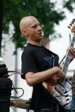 Juraj Griglák a hostia / jazz bass